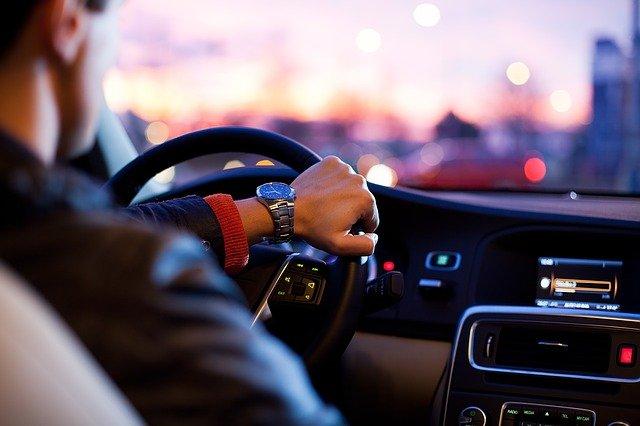 Jak wybrać dobrą wypożyczalnię aut?
